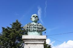 Busto de Homenagem Cónego Prof. Dr. Avelino de Jesus da Costa 1
